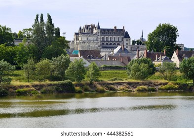 France, Loire Valley, Amboise castle and loire river
