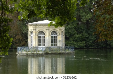 France, park of Fontainebleau palace