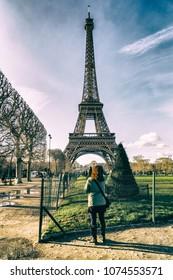 France. travelling to Paris. the city of Paris. Pano. Paris lights. France wedding. Wedding in Paris.