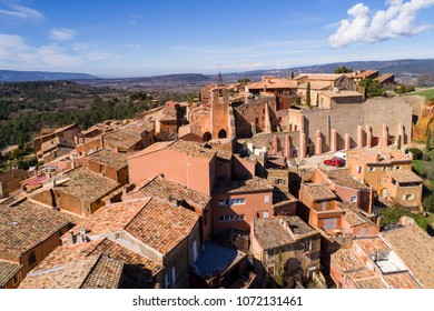 France, Vaucluse, Roussillon, Natural Regional Park of Luberon, labelled The Most Beautiful Villages of France, perched village with ochre facades