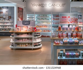 Frankfurt, Germany. 11th Feb 2019. Impressions from the Ambiente trade fair 2019: Assortment of Yankee Candle products. Ambiente is a leading consumer goods trade fair