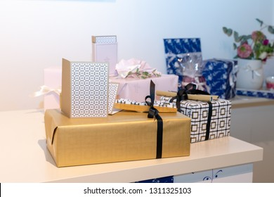 Frankfurt, Germany. 11th Feb 2019. Impressions from the Ambiente trade fair 2019: Gift wrap paper by Villeroy & Boch. Ambiente is a leading consumer goods trade fair