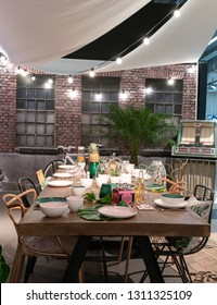 Frankfurt, Germany. 11th Feb 2019. Impressions from the Ambiente trade fair 2019: Dinner table setup by Villeroy & Boch. Ambiente is a leading consumer goods trade fair
