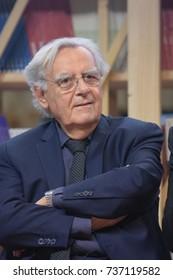 Frankfurt, Germany. 11th Oct, 2017. Bernard Pivot (* 1935), french journalist, interviewer and tv host, at the Prix Goncourt Prix Goncourt panel at Frankfurt Bookfair / Buchmesse Frankfurt 2017