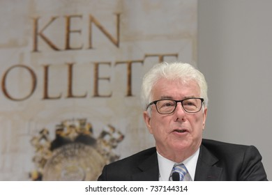 Frankfurt, Germany. 11th Oct, 2017. Ken Follett, british bestselling author at the international press conference for A Column of Fire / Das Fundament der Ewigkeit at Frankfurt Bookfair