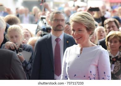 Frankfurt, Germany. 12th Oct. 2017. Her Majesty Queen Mathilde of Belgium visiting the Frankfurt Bookfair, Arrival on red carpet on October 12, 2017 in Frankfurt am Main, Germany