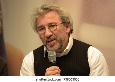 Frankfurt, Germany. 12th Oct, 2017. Can Dündar (* 1961), turkish writer and journalist, Frankfurt Bookfair / Buchmesse Frankfurt 2017