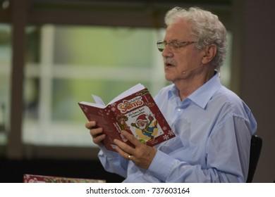 Frankfurt, Germany. 14th Oct, 2017. Paul Maar (* 1937), german childrens author, presenting Das Sams feiert Weihnachten, at Frankfurt Bookfair / Buchmesse Frankfurt 2017