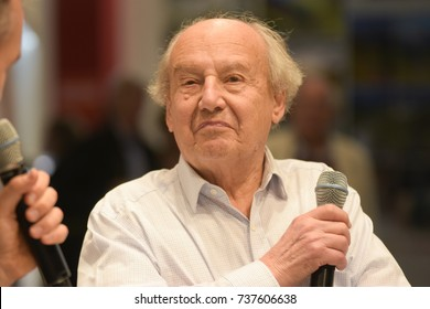 Frankfurt, Germany. 14th Oct, 2017. Jean-Claude Mezieres (* 1938), french comic artist - Valerian and Veronique / Valerian and Laureline comics - Frankfurt Bookfair / Buchmesse Frankfurt 2017