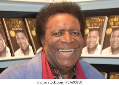 Frankfurt, Germany. 14th Oct, 2017.Roberto Blanco (* 1937),  singer and actor, presenting his autobiography at the Frankfurt Bookfair / Buchmesse Frankfurt 2017