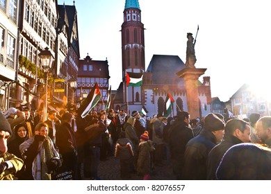FRANKFURT, GERMANY - 3 JAN: 10000 people demonstrate against the bombing of Gaza, for freedom in Palestine and an own state at the Roemerberg  at January 3, 2009 in Frankfurt, Germany.