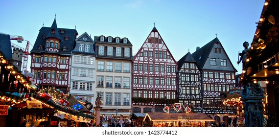 Frankfurt, Hessen, Germany (Deutschland) - December 2014 The Frankfurt Christmas Market (Frankfurter Weinachtmarkt) in the main square of Römerberg is an annual outdoor Christmas market.