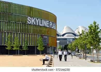 FRANKFURT AM MAIN, GERMANY - AUGUST 7, 2015: Skyline Plaza shopping and wellness center with roof garden, a fitness centre, numerous restaurants and shops and a multi-storey car park.