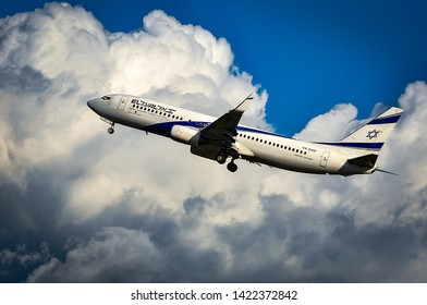 Frankfurt,Germany-April 07,2016: ISRAEL AIRLINES Boeing 737-800 over airport.