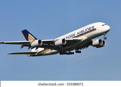 FRANKFURT,GERMANY-AUG 25: Singapore Airlines Airbus A380 in the blue sky on August 25,2016 in Frankfurt,Germany.