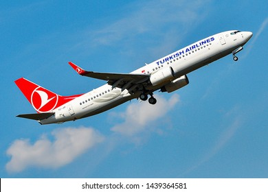 Frankfurt,Germany-August 22,2015:Turkish Airlines Boeing 737-800 over airport.