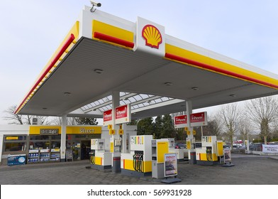 FRANKFURT,GERMANY-JAN 27:SHELL fuel and gas station on January 27,2017 in Frankfurt,Germany.