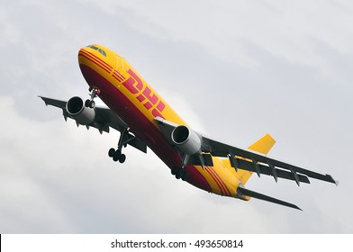 Airbus A300b4 Images, Stock Photos & Vectors | Shutterstock