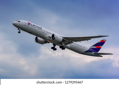 FRANKFURT,GERMANY-June 17,2017:LATAM Chile CC-BGD Boeing 787-9.LATAM Airlines, formerly LAN Airlines  is an airline based in Santiago, Chile.