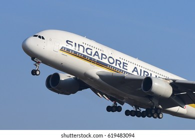 FRANKFURT,GERMANY-MARCH 16: SINGAPORE AIRLINES Airbus A380 lands at Frankfurt airport on March 16,2017 in Frankfurt,Germany.