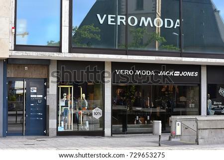 33780e5990df26 FRANKFURTGERMANYMAY 09 VERO MODA Fashion Store Stockfoto (Jetzt bearbeiten)  729653275 – Shutterstock