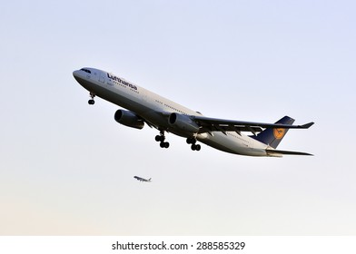 FRANKFURT,GERMANY-MAY 13:airplane of Lufthansa above the Frankfurt airport on May 13,2015 in Frankfurt,Germany