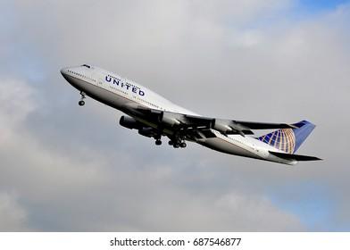 FRANKFURT,GERMANY-SEPT 24:United Airlines Boeing 747 lands at Frankfurt airport on September 24,2015 in Frankfurt.