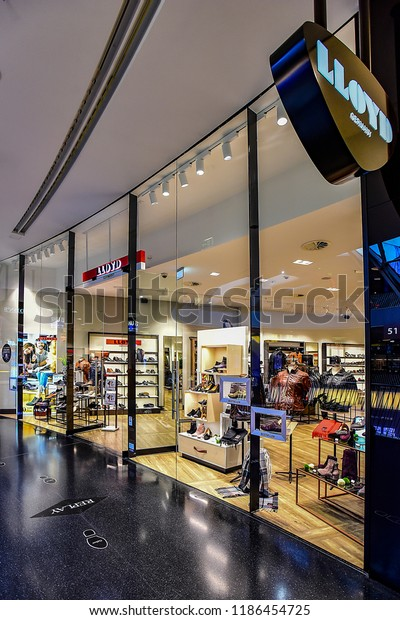 online store 8987b f76cd Frankfurtgermanyseptember 0621018 Fashion Store Lloyd Lloyd ...