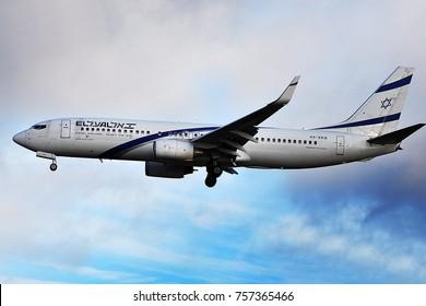 FRANKFURT,GERMANY-SEPTEMBER 24,2015:  El Al Israel Airlines Boeing 737-800 over Frankfurt airpor.