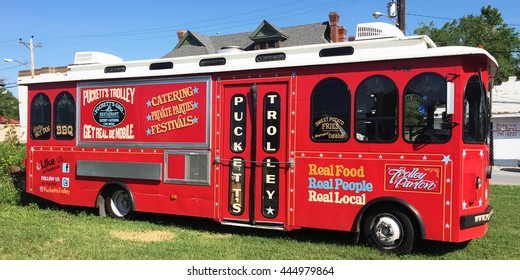 FRANKLIN, TN-JUNE 29, 2016:  Puckett's Trolley, a gourmet food truck in historic Franklin, Tennessee.
