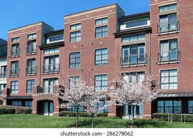 FRANKLIN, TN-MAY, 2015:  New loft apartments in Cool Springs, a part of historic Franklin near Nashville, Tennessee.