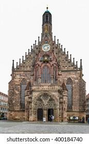 Frauenkirche view on Hauptmarkt