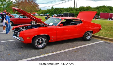 1970 Red Ford Torino Images, Stock Photos & Vectors
