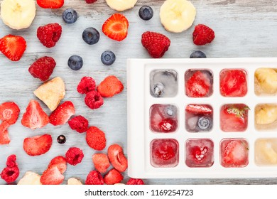 Freeze dried, fresh and frozen berry fruits from above.