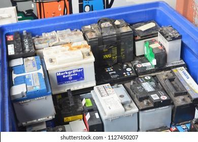 Used Car Batteries >> Fotos Imagenes Y Otros Productos Fotograficos De Stock