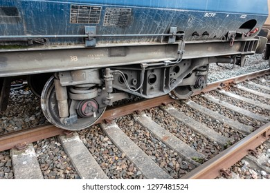 Freight train with derailed wheel set