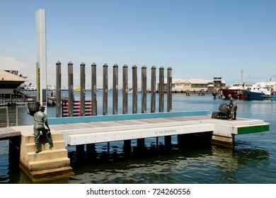 FREMANTLE, AUSTRALIA - October 26, 2016: Monument to the Fishermen in the Waterfront