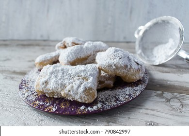 French beignets with powdered sugar