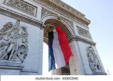 french flag arc de triomphe