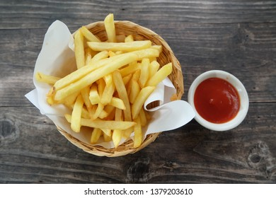 French fried with tomato sauce