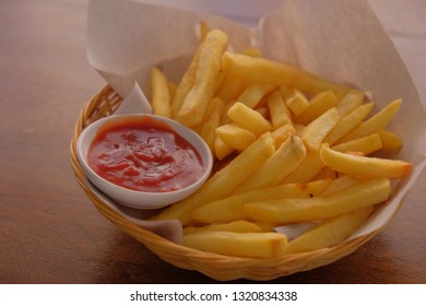 French fry with tomato sauce