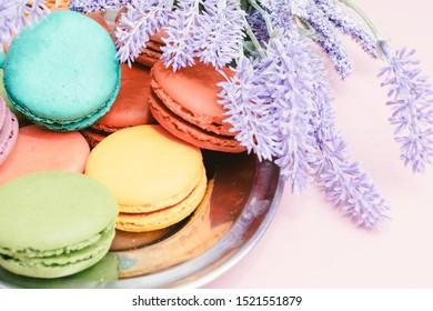 Imágenes, fotos de stock y vectores sobre Cake Lavender ...