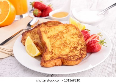 french sugar toast and fruits