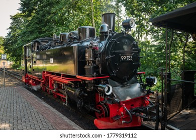 frenzied Roland is the name of a steam locomotive that is an important means of transport for local transport on the island of Rügen.