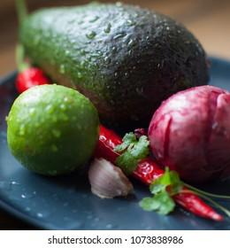 fresh avocado chilipepper redonion garlic coriander limejuice salt