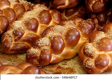 Fresh challah bread for shabbat