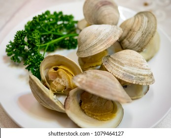 Fresh clam with barbecue