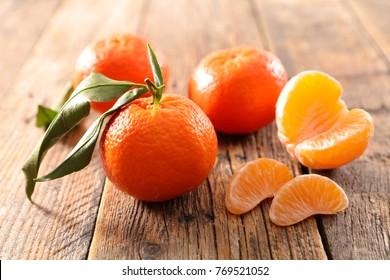 fresh clementine and leaf