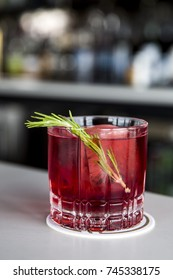Fresh Cranberry Vodka Spritzers with Rosemary for Holiday Cocktail Party