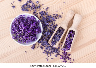 Fresh and dried lavender flowers / lavender flowers / lavender